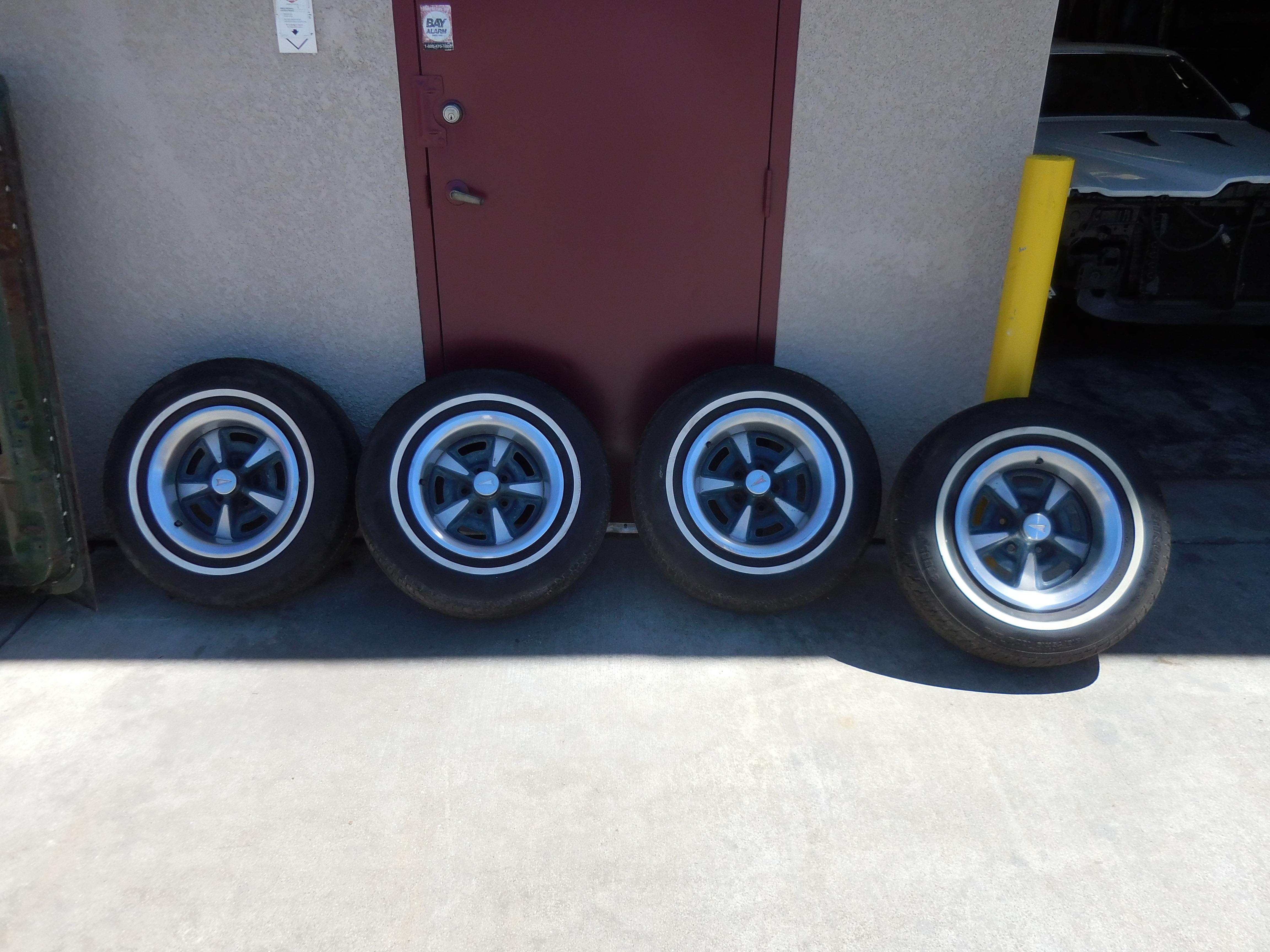 70 S Pontiac Firebird Rally Wheels 15x7 Set With Center