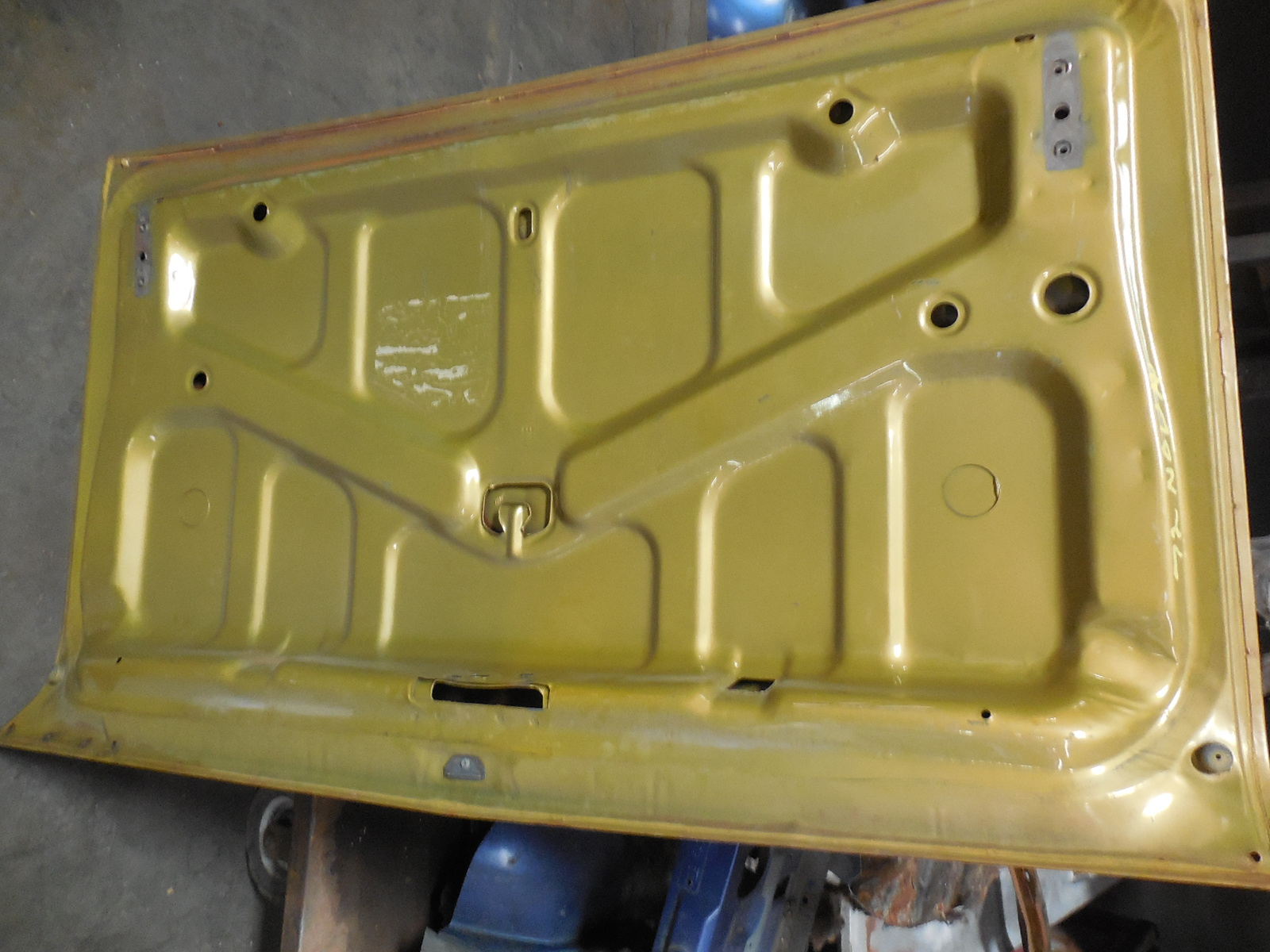 1968 1972 Chevrolet Nova Two Door Deck Lid Gm Sports