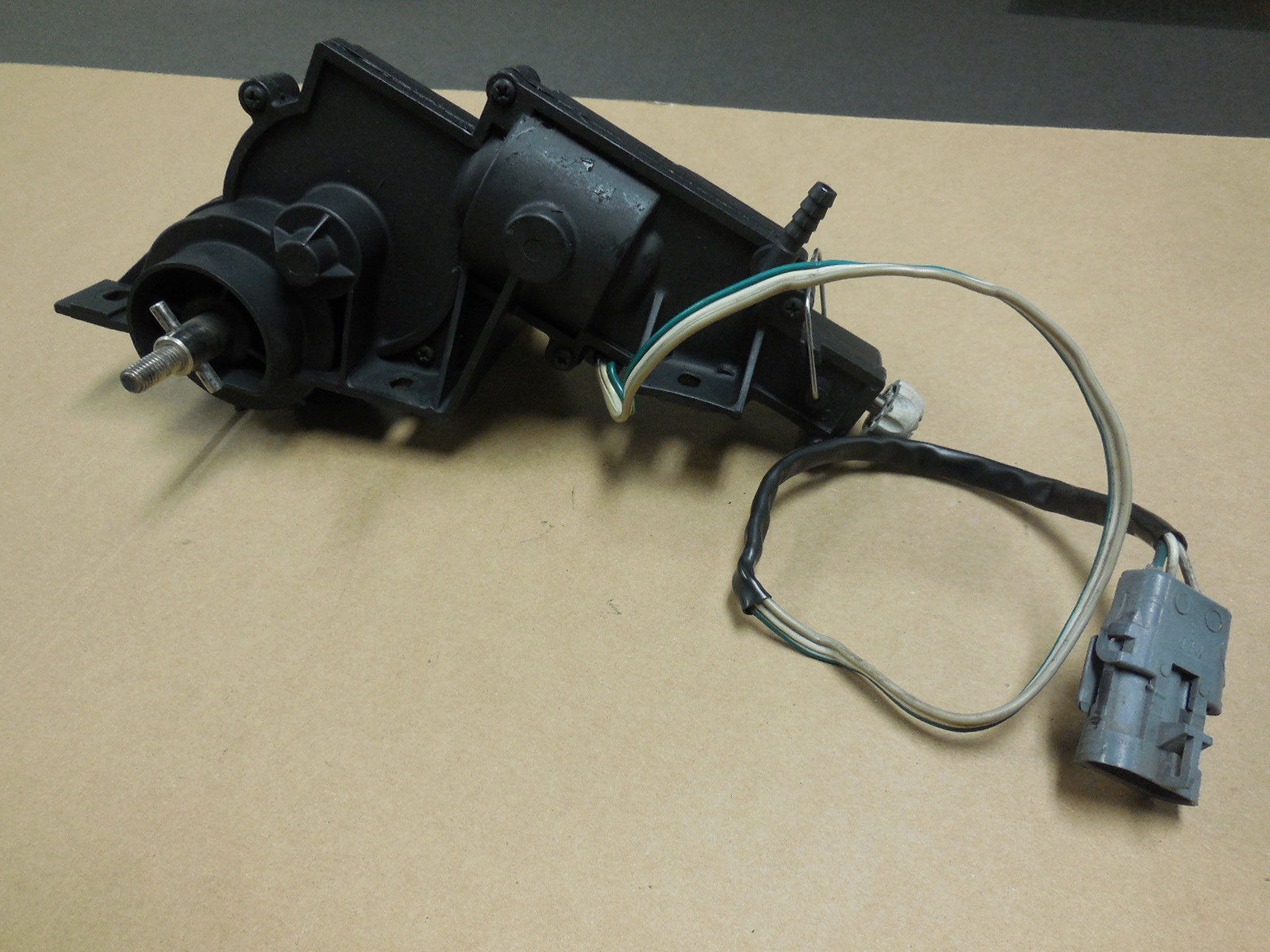 1984-1987 Chevrolet Corvette Rebuilt Right Headlight Motor 3 Wire