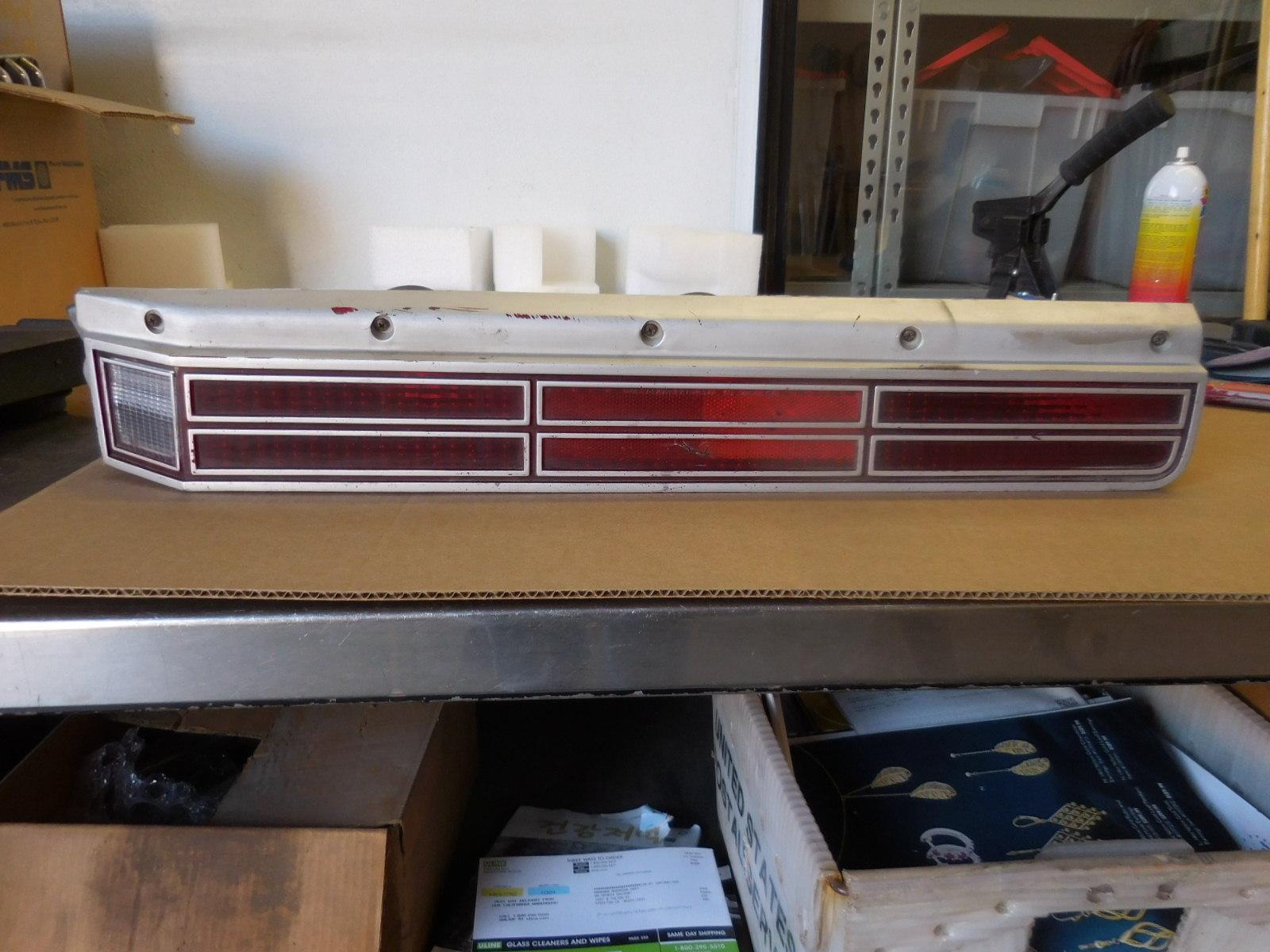 1974 1975 Regal 2 Door / 1976 1977 Regal 4 Door - 1974-1977 Century Left Right Tail Light